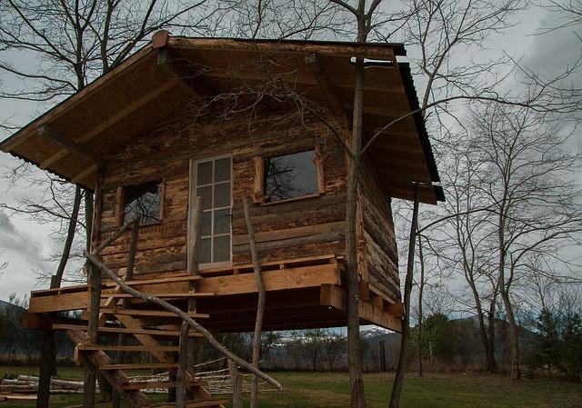 cabin-2119661_640