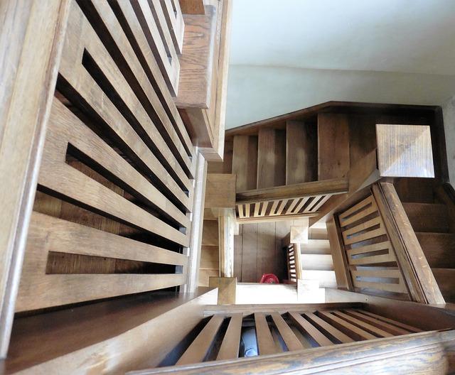 patrové dřevěné schody
